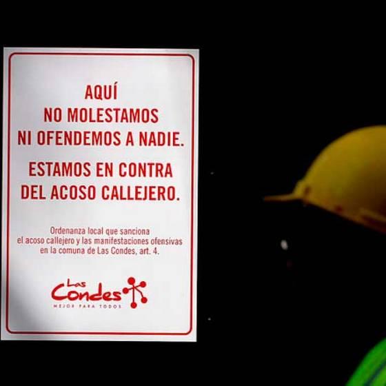 El piropo que obtuvo el primer parte por acoso en Las Condes
