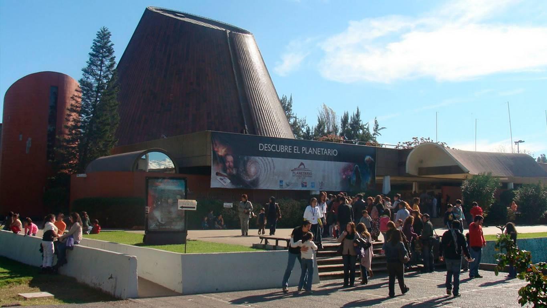 ¡Prepárate con Planetario para el eclipse total solar!