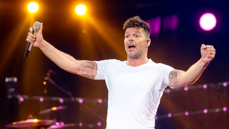 Novia de Ricky Martin durante nueve años sabía que él era gay