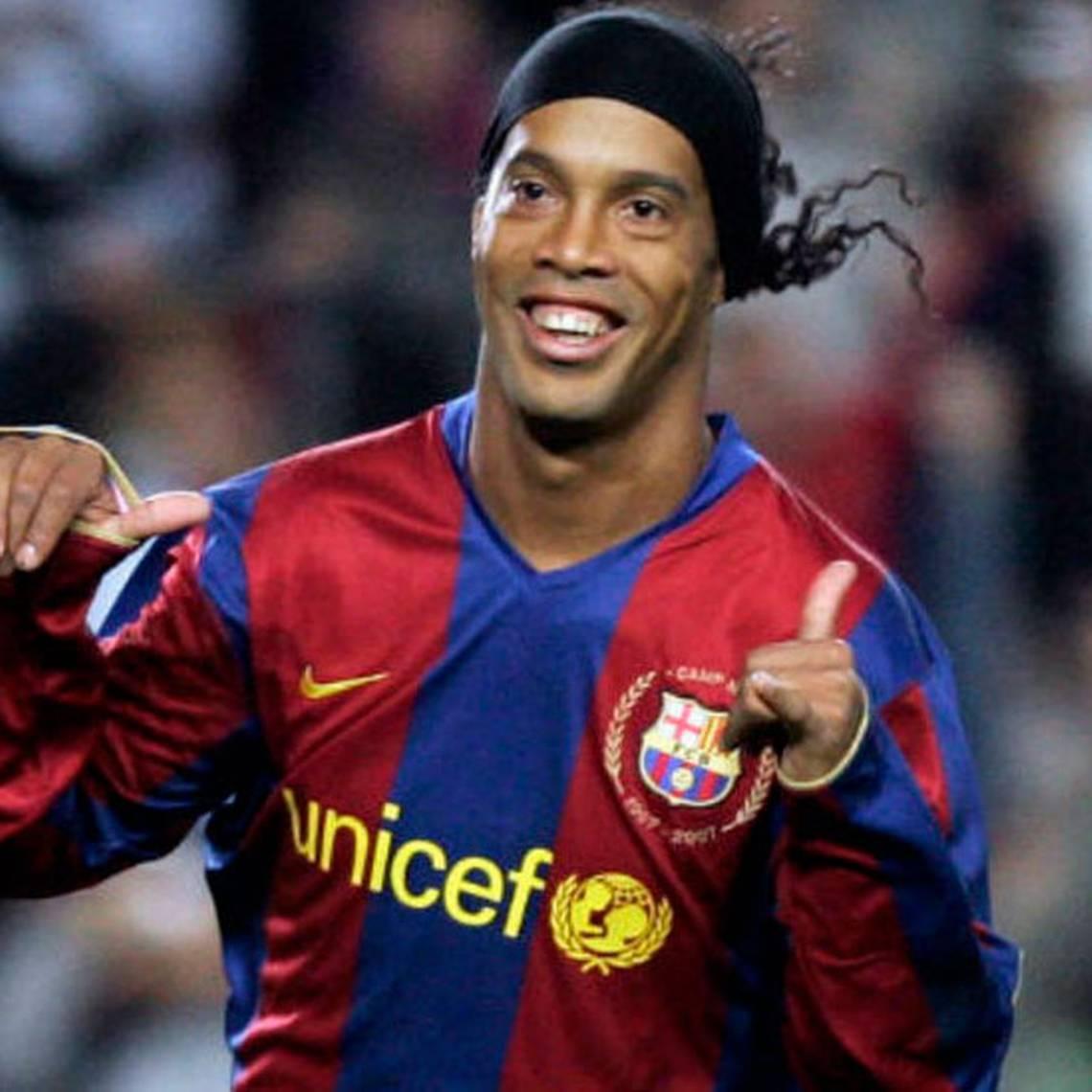Ronaldinho le dice adiós al fútbol