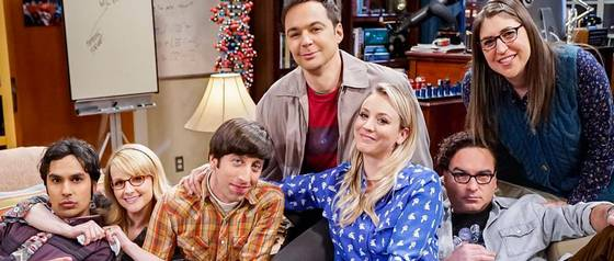 The Big Bang Theory: La dramática foto de Kaley Cuoco al leer el guión final