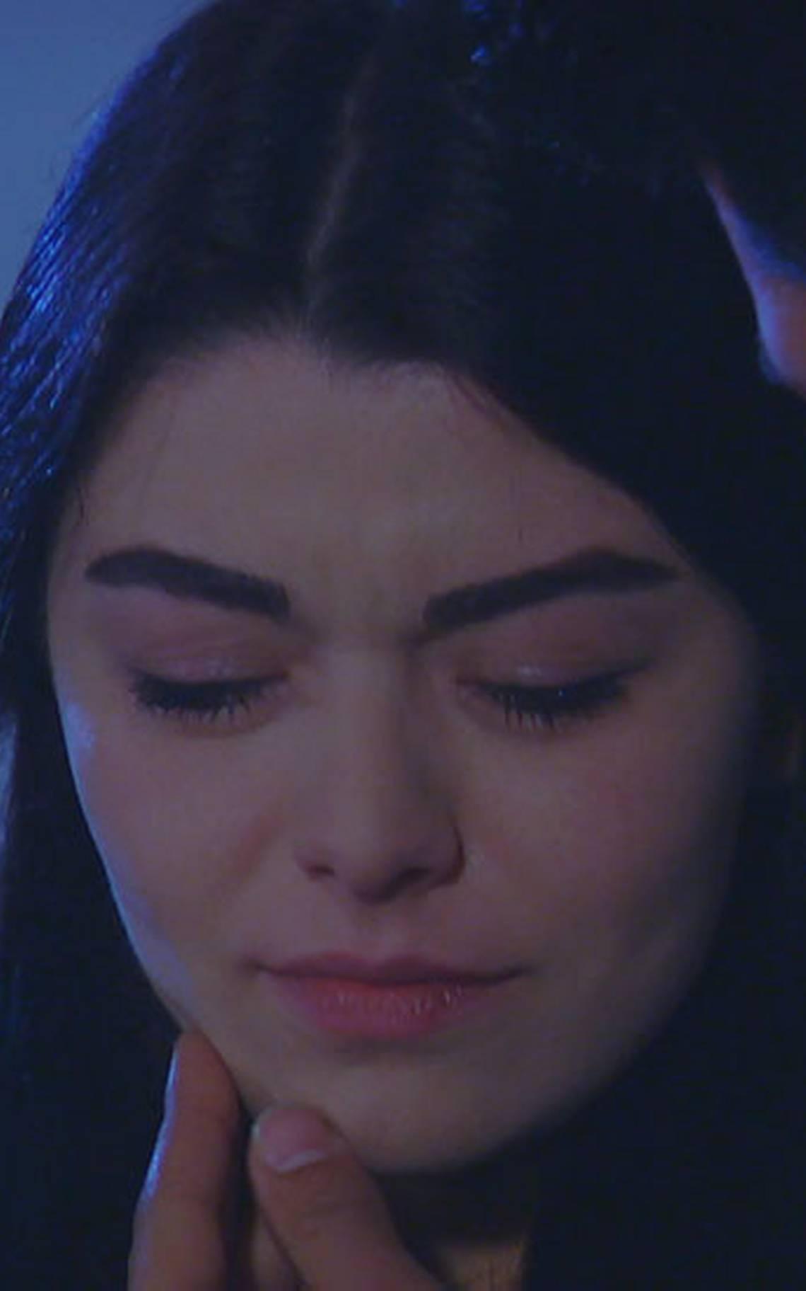 La tristeza de Zeynep por el rechazo de los Emiroglu