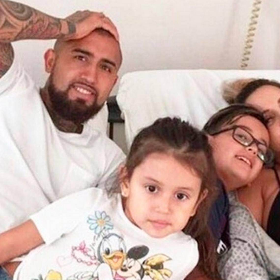 ¡Ídolo! Arturo Vidal comparte tierna fotografía junto a su familia