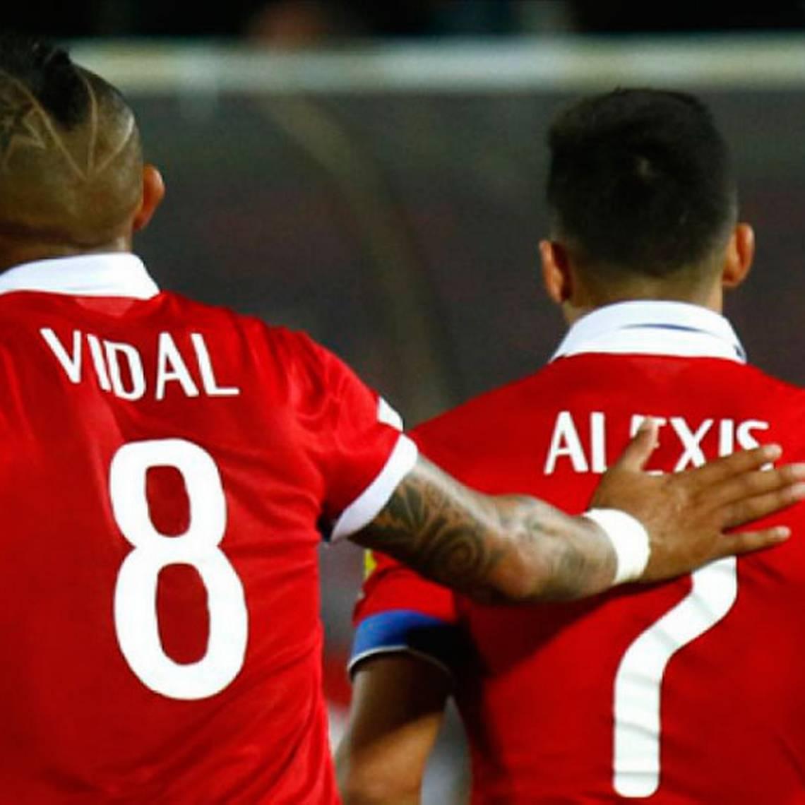 Alexis Sánchez y Arturo Vidal nominados a la oncena ideal de la FIFA